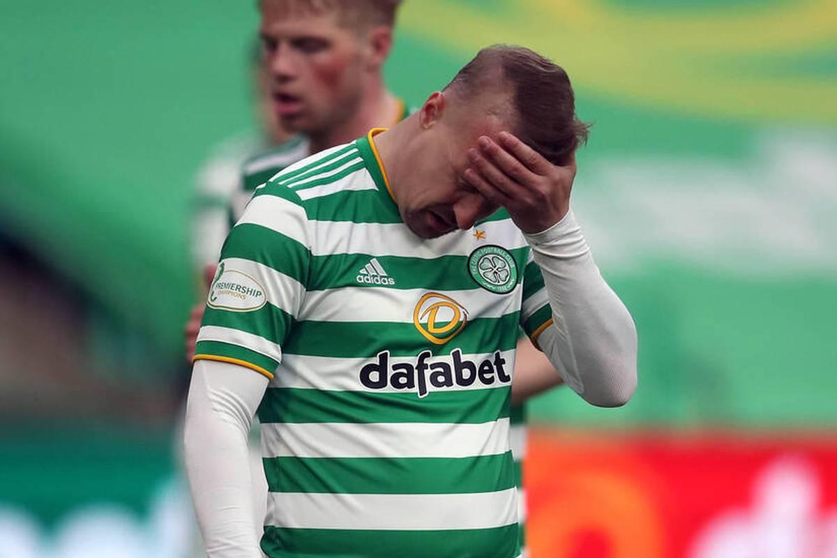 Dem schottischen Fußballprofi Leigh Griffiths droht nach einem ganz besonderen Fehltritt eine Strafe. Es geht um einen Rauchbomben-Eklat.
