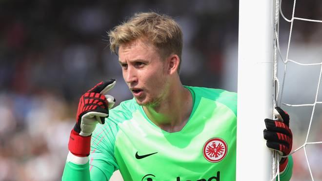 UEFA Europa League: Eintracht Frankfurt ohne Frederik Rönnow gegen Tallinn , Frankfurts Keeper Frederik Rönnow fällt für die Europa-League-Quali aus