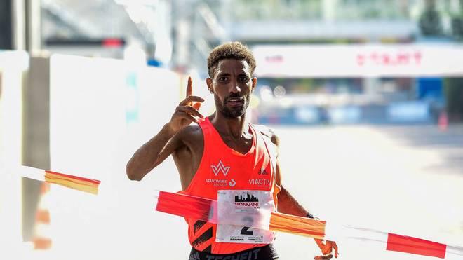 Amanal Petros ist neuer Inhaber des deutschen Marathon-Rekords