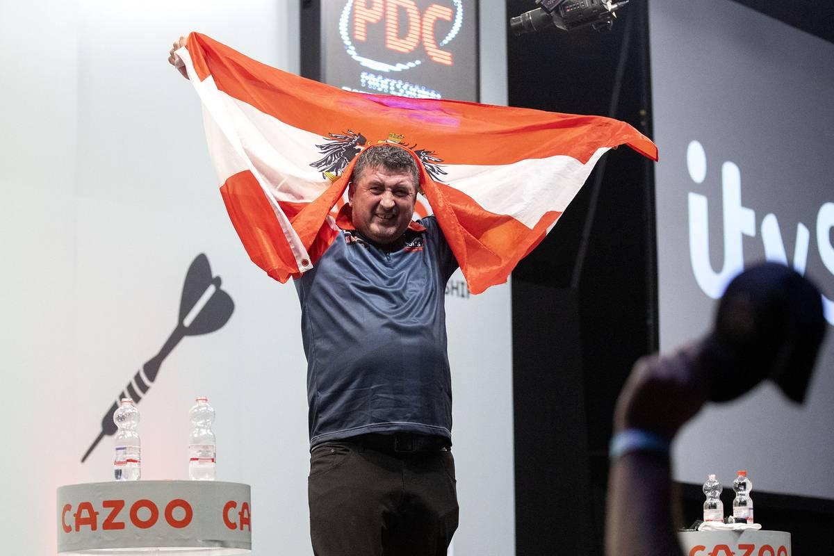 Florian Hempel nimmt sein knappes Aus gegen den Österreicher Mensur Suljovic bei der Darts-EM sportlich - und nimmt auch die Fans in Schutz.