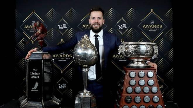Nikita Kucherow räumte bei den NHL Awards zahlreiche Trophäen ab