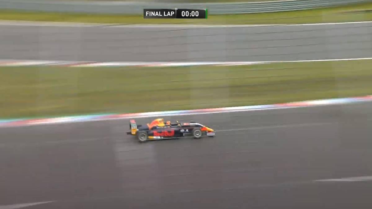 Jak Crawford gewann das zweite Rennen der ADAC Formel 4 am Lausitzring