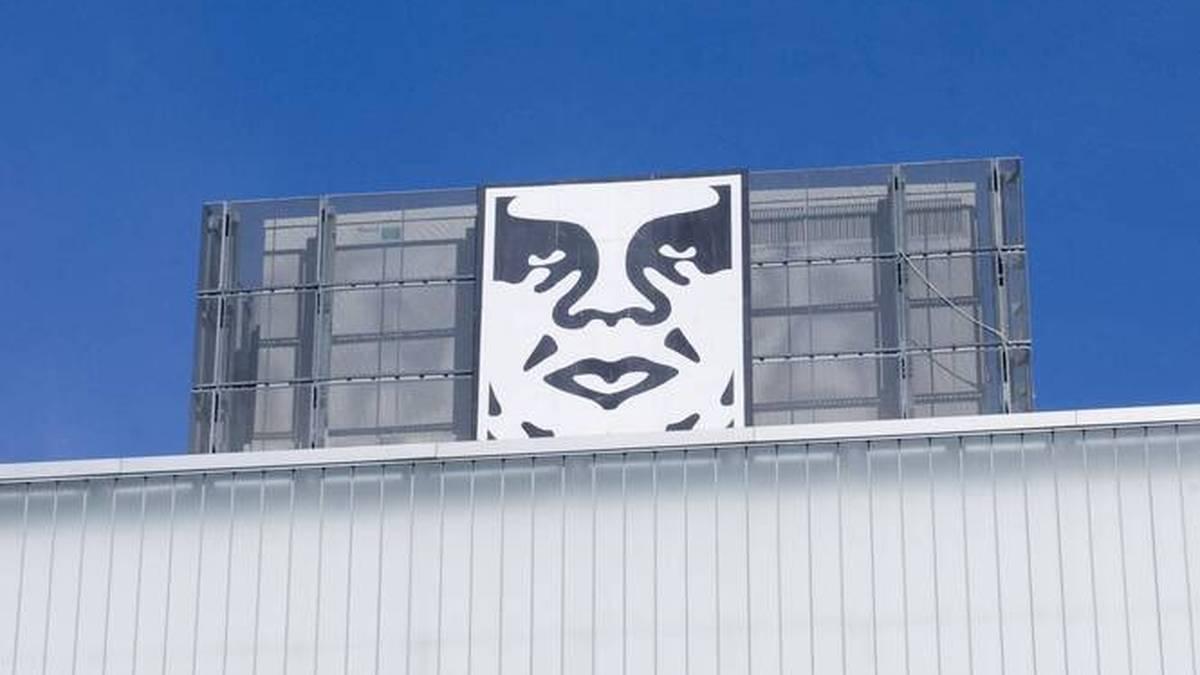 """Das Kunstwerk """"Obey"""" basiert auf einem Wrestling-Plakat mit dem Konterfei von André the Giant"""