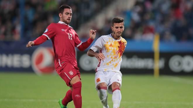 FBL-EURO-2017-U21-SRB-ESP Andrija Zivkovic (l.) stand bereits bei der U21-EM 2017 im Kader Serbiens