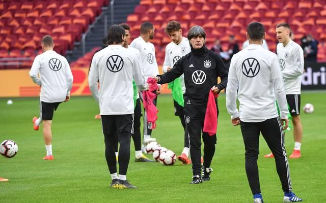 Nationalmannschaft: Internes Trainingsspiel DFB-Teams live im TV , Die deutsche Nationalmannschaft bereitet sich in Aachen auf die EM-Qualifikation vor