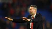 CARDIFF, WALES - NOVEMBER 19: Ryan Giggs, Head Coach of Wales shows his appreciation to the fans after the UEFA Euro 2020 qualifier between Wales and Hungary so at Cardiff City Stadium on November 19, 2019 in Cardiff, Wales. (Photo by Harry Trump/Getty Images)