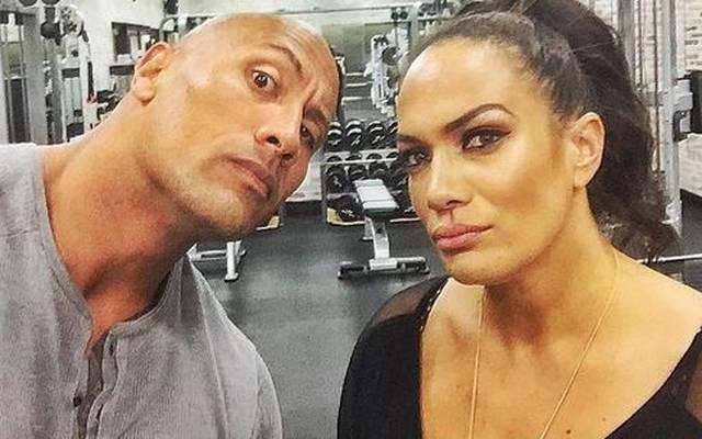 "WWE-Ikone Dwayne ""The Rock"" Johnson ist Cousin von Nia Jax"