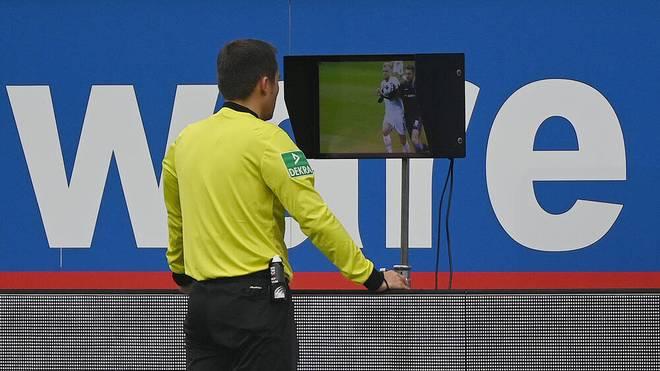 Ein Treffer der Paderborner zählte wegen eines Handspiels 20 Sekunden vorher nicht