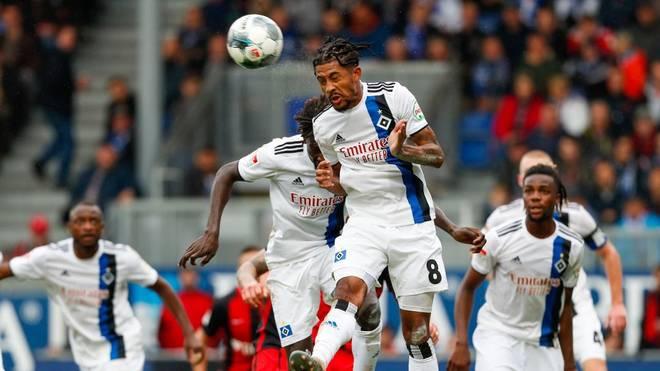 Der Hamburger SV will bei Holstein Kiel die Tabellenführung in der 2. Bundesliga verteidigen