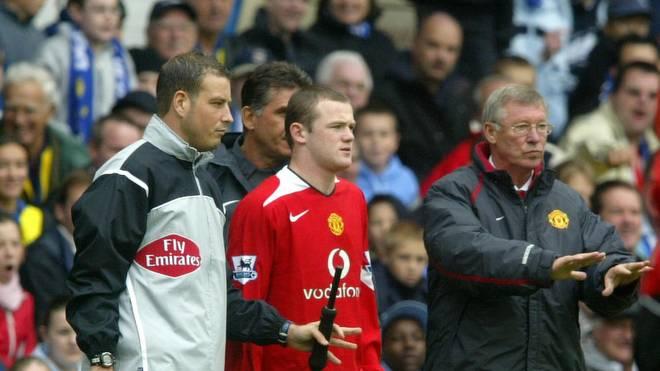 Sir Alex Ferguson (r.) verhalf als Trainer von Manchester United Wayne Rooney (2.v.r.) zu einer Weltkarriere