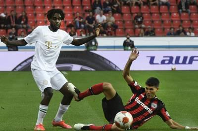 Bayer Leverkusen muss in den kommenden Spielen auf Exequiel Palacios verzichten. Der argentinische Nationalspieler fällt wegen einer Knöchelverletzung aus.