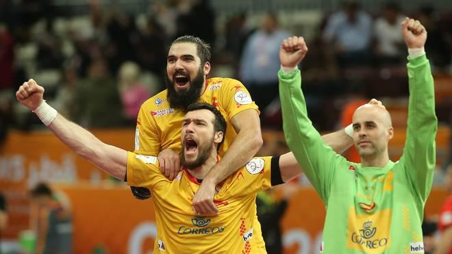 Pure Freude: Spaniens Handballer jubeln über den Sieg gegen Katar