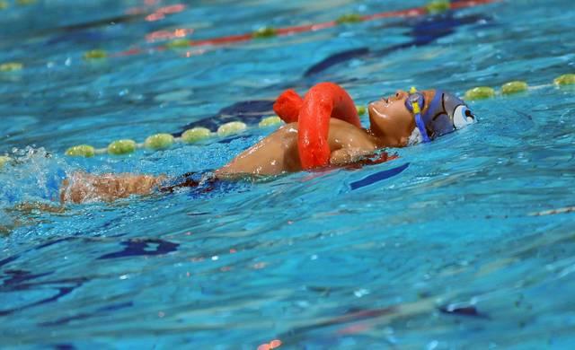 In Schwimmkursen gewöhnen sich Kinder zuerst an das Wasser