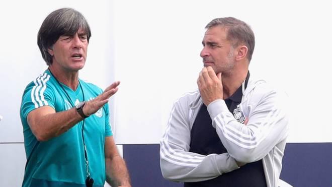 Bundestrainer Joachim Löw (l.) und U21-Coach Stefan Kuntz steht ein besonderer Sommer bevor