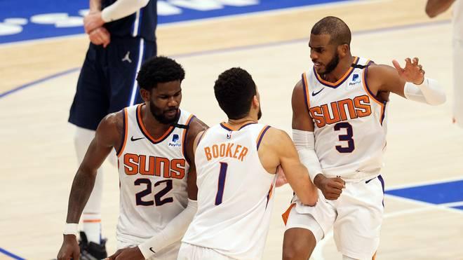 DeAndre Ayton (l.), Devin Booker und Chris Paul sind die Leistungsträger der Phoenix Suns