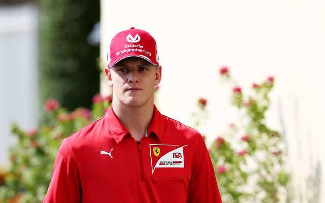 Bei Ferrari wird ein Cockpit frei - für Mick Schumacher?