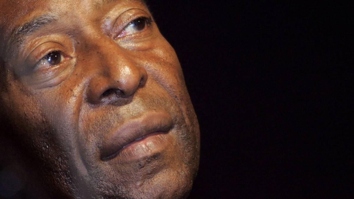 Pelé gratuliert Lionel Messi mit Verspätung zum Rekord