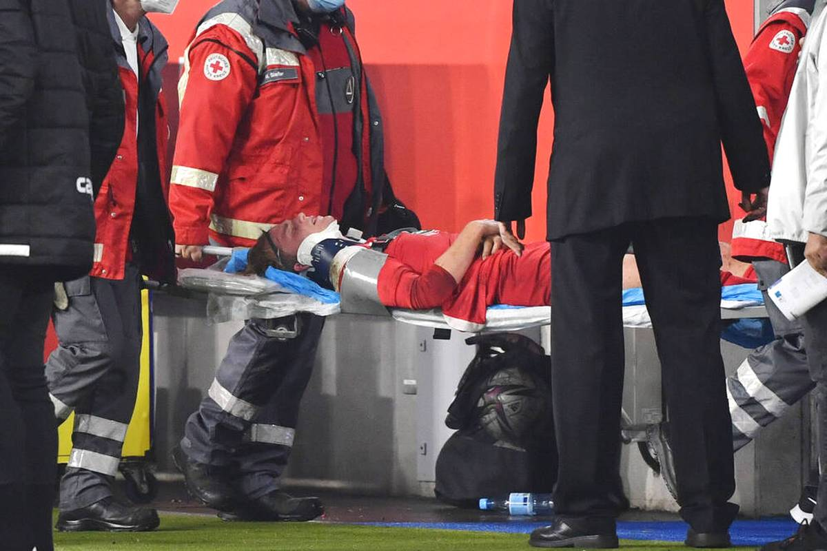 Bitteres Déjà-Vu in der 3. Liga: Felix Götze erleidet beim Remis des 1. FC Kaiserslautern beim MSV Duisburg erneut eine Kopfverletzung.