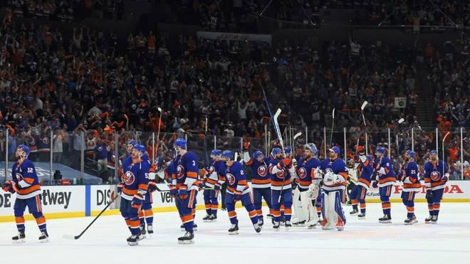 Die New York Islanders feiern den Halbfinaleinzug