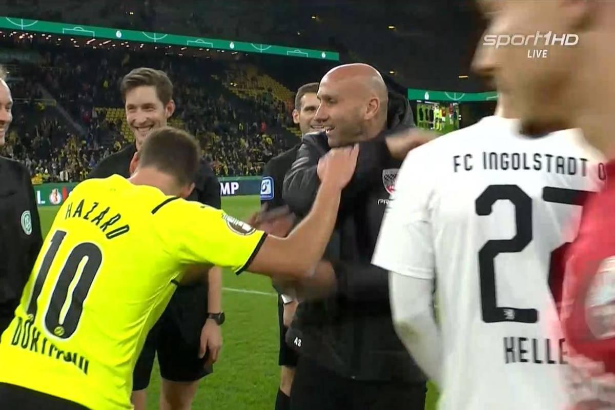 Coach André Schubert vom FC Ingolstadt begrüßte Ex-Spieler und BVB-Star auf seine Art