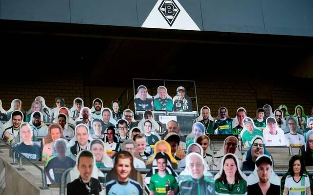 Die Gladbacher Fans können bei Geisterspielen als Pappfiguren auf die Tribünen
