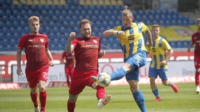 Eintracht Braunschweig (gelb) gewann gegen Preußen Münster