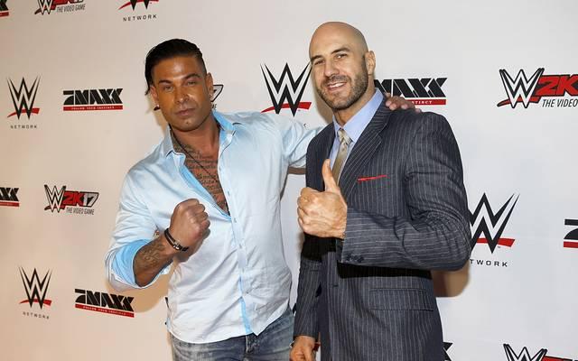 Cesaro (r.) war einer der Partner von Tim Wiese bei dessen WWE-Debüt