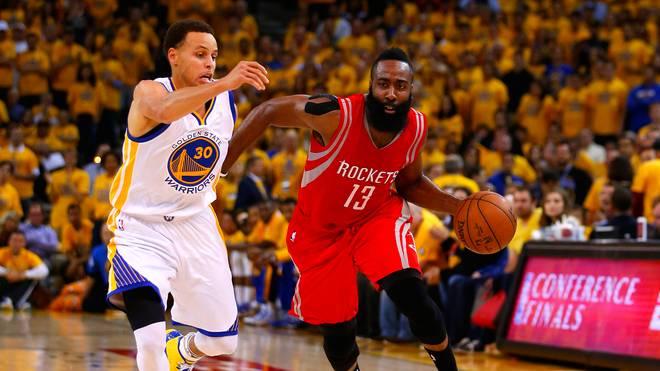 Houston hofft auf Superstar James Harden (r.), die Warriors setzen auf Stephen Curry (l.)