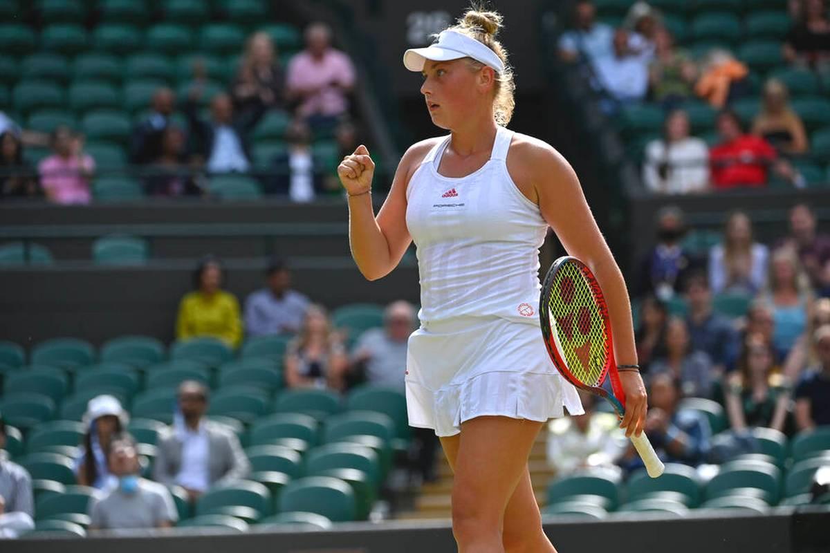 Nastasja Schunk zählt zu den talentiertesten Spielerinnen im deutschen Damentennis. Bei SPORT1 spricht sie über ihr Wimbledon-Finale, Federer, Social Media und den Billie Jean King Cup.