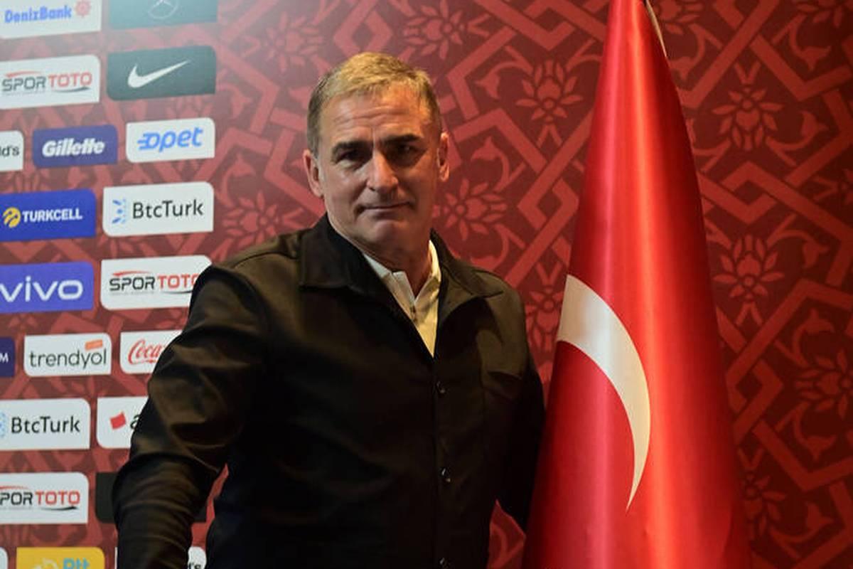 Stefan Kuntz geht seine Mission als neuer Nationaltrainer der Türkei mit pathetischen Worten und voller Elan an.