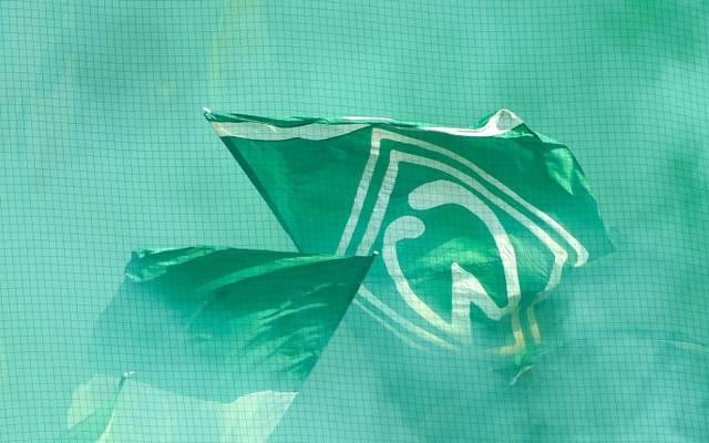 Werder-Fans zündelten im DFB-Pokal mit Pyrotechnik. Nun folgt die Strafe des DFB