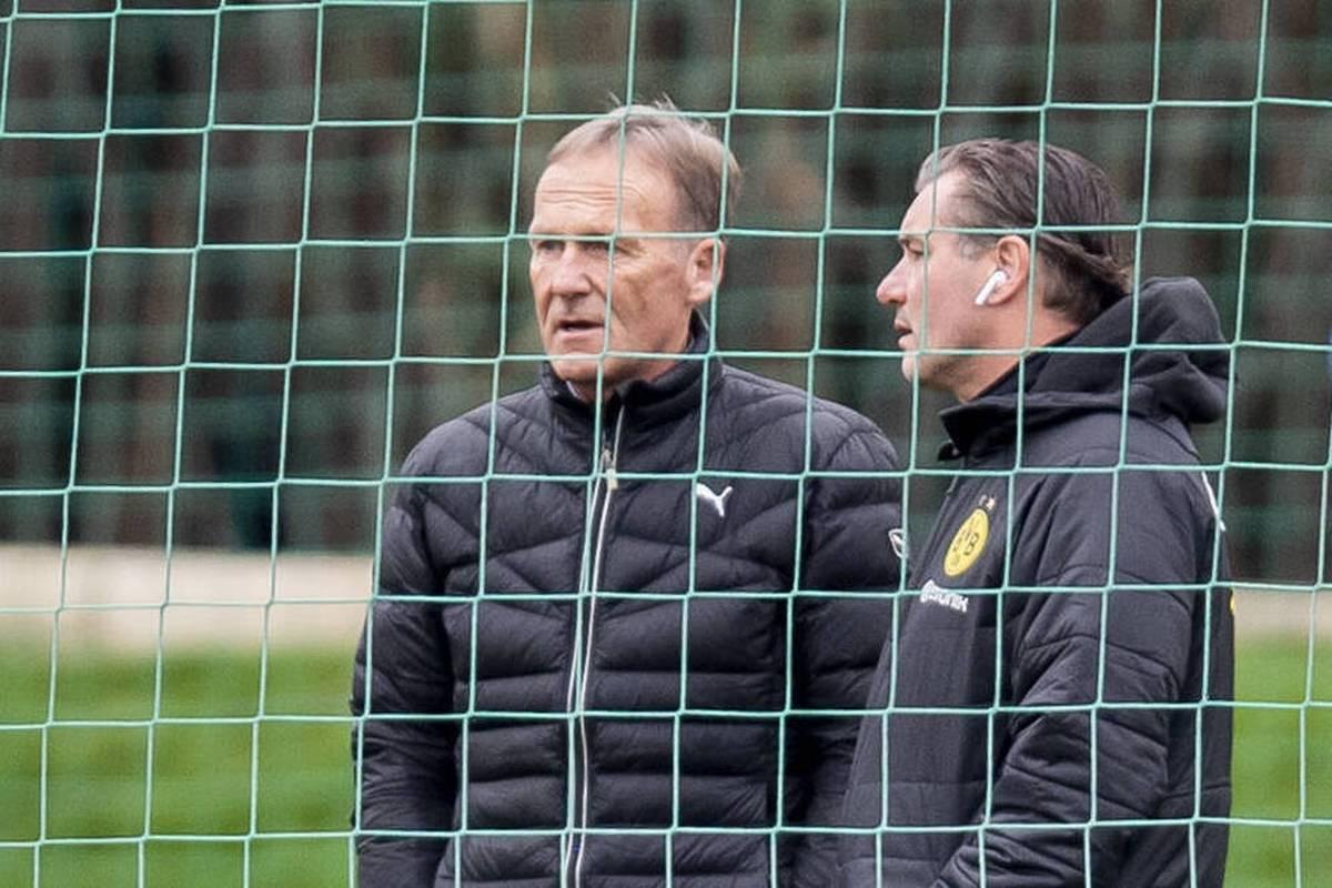 Borussia Dortmunds Geschäftsführer Hans-Joachim Watzke wirkt im STAHLWERK Doppelpass beim Thema Meisterschaftskampf fast desillusioniert.
