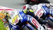 Zur Wiederholung kommt es im gleichen Jahr auf dem Sachsenring - wieder mit dem besseren Ende für Rossi. Nachdem Rossi den Spanier in der vorletzten Runde überholt, rast er mit 99 Tausendstelsekunden Vorsprung über die Zielllinie