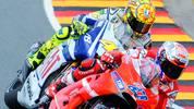 Erneut auf dem Sachsenring entwickelt sich im nächsten Jahr ein turbulentes Rennen. Nach dem Start können sich Lorenzo und Pedrosa absetzen. Doch das Rennen muss nach zehn Runden unterbrochen werden: Randy De Puniet crasht und bricht sich dabei das linke Schien- und Wadenbein. Nach dem Re-Start fährt Dani Pedrosa souverän zum Sieg vor Lorenzo, doch dahinter kämpfen Rossi und Casey Stoner verbissen. Mit einem harten Manöver in der letzten Kurve setzt sich der Australier schließlich durch