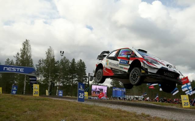 Ott Tänak fliegt seinem dritten Titel in Deutschland entgegen