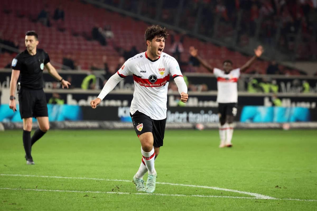 Der VfB Stuttgart spielt gegen Union Berlin Unentschieden. Die Stuttgarter holen in Unterzahl in letzter Sekunde einen Punkt.