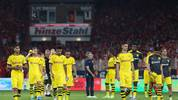 BERLIN, GERMANY - AUGUST 31: Borussia Dortmund players show their dejection during the Bundesliga match between 1. FC Union Berlin and Borussia Dortmund at Stadion An der Alten Foersterei on August 31, 2019 in Berlin, Germany. (Photo by Maja Hitij/Bongarts/Getty Images)