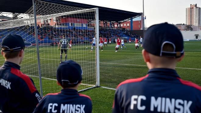 In Weißrussland rollt der Ball noch immer