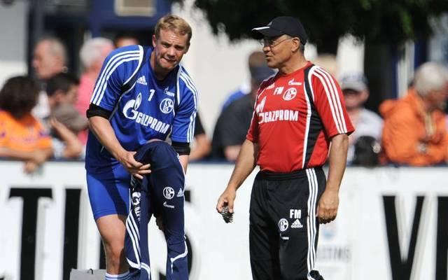 Torwart Manuel Neuer (li.) und Trainer Felix Magath (beide Schalke)