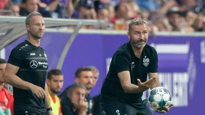 AUE, GERMANY - AUGUST 23: Head coach Tim Walter of Stuttgart reacts during the Second Bundesliga match between FC Erzgebirge Aue and VfB Stuttgart at Erzgebirgsstadion on August 23, 2019 in Aue, Germany. (Photo by Thomas Eisenhuth/Bongarts/Getty Images)