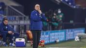 Christian Gross kämpft mit dem FC Schalke gegen den Abstieg