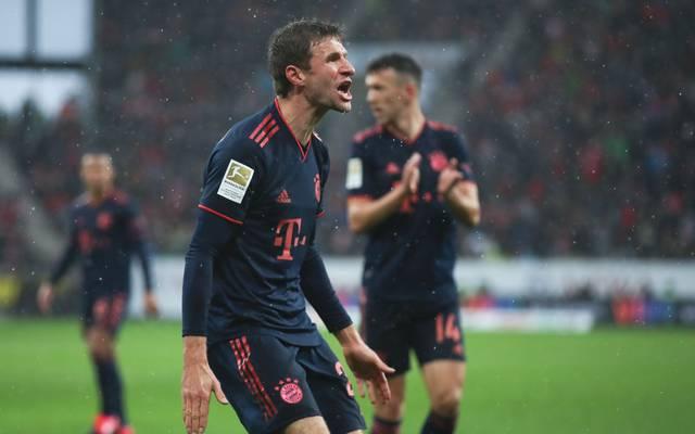 Thomas Müller (l.) und der FC Bayern haben sechs Spiele in Folge gewonnen