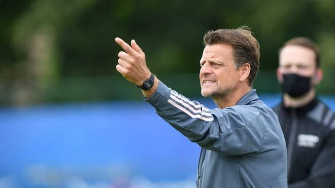 U19-Trainer Wörns und sein Team hätten am Abend gegen Frankreich antreten sollen
