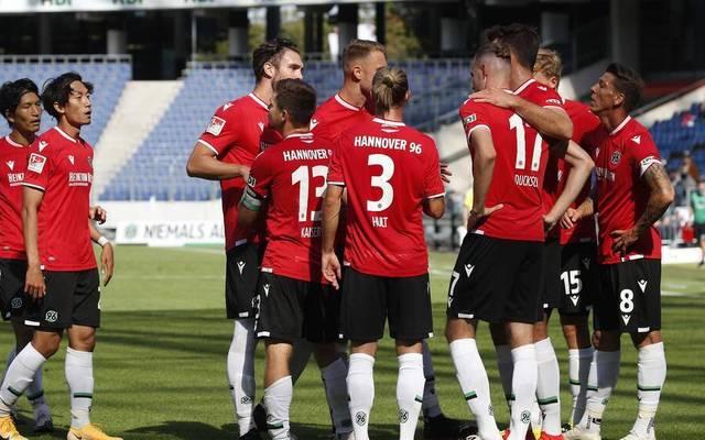 Hannover 96 gewann zum Auftakt der 2. Bundesliga gegen den Karlsruher SC