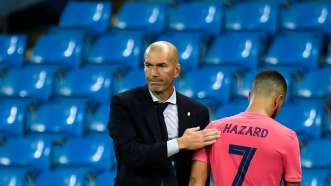 Real-Coach Zinedine Zidane (l.) muss einmal mehr auf Eden Hazard verzichten