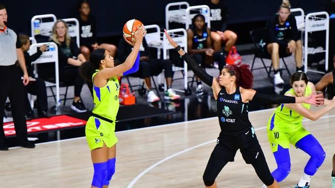 Satou Sabally (l.) fällt für EM-Quali der deutschen Basketballerinnen aus