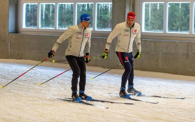 Erik Lesser (l.) und Arnd Peiffer waren im Biathlon-Weltcup jahrelang Zimmerkollegen