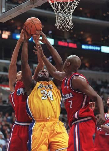 Am 6. März 2000 hat NBA-Legende Shaquille O'Neal eine Performance hingelegt, die seines Gleichen sucht. Gegen den Stadtrivalen, die Los Angeles Clippers, läuft er so richtig heiß. Am Ende der Partie stehen 61 Punkte und 23 Rebounds für ihn zu Buche. Ersteres ist sein Karrierebestwert. Obendrein gewinnen die Lakers die Partie mit 123:103