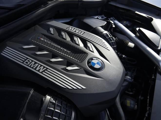 Die Motorisierung des BMW X6 reicht vom drei Liter großen Diesel bis zum 4,4-Liter-Benziner mit 390 kW/530 PS