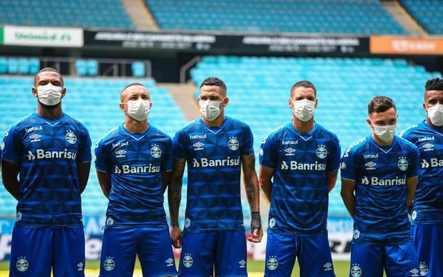 Fußballer mit Atemmasken - eine ernsthafte Option?